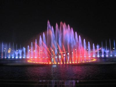 喷泉音乐喷泉_看喷泉有感_抒情散文300字
