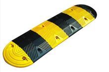 永鹏交通设施提供质量硬的橡胶减速带,是您上好的选择   唐山橡胶减速带