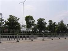 要买划算的护栏,恒源钢材铁艺公司是不二选择_张掖机场护栏