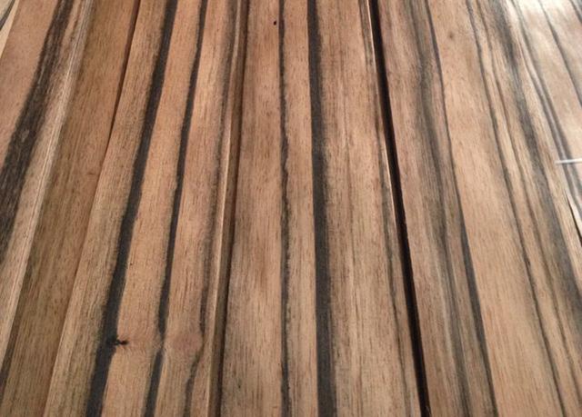 公司介绍:东莞市厚街茂源木业有限公司创立于二零零六年,生产各种进口木皮如泰柚木皮,黑檀木皮,大斑马,小斑马木皮,乌木木皮等各种进口木皮,亦可订制各种高档装饰面板,本公司素以质量高,交货快,服务好著称。秉承追求卓越的理念,在每一个生产、销售和服务的环节都致力不断创新完善,务求为客户提供更优质的服务。