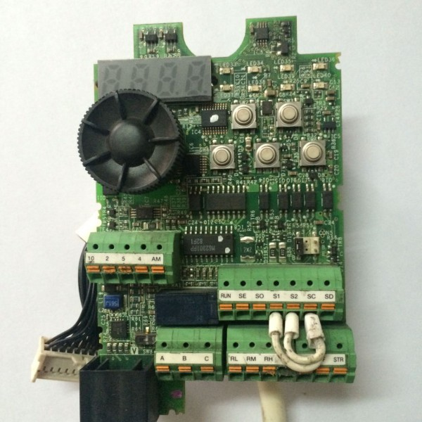 查看三菱变频器fr-d740-3.7k-cht cpu主板原图